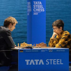 Nils Grandelius behält die Führung beim Tata Steel Masters