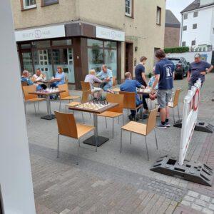 Die innovative Geschäftsidee: Das Schach-Stübchen-Zugzwang in Borken öffnet seine Pforten